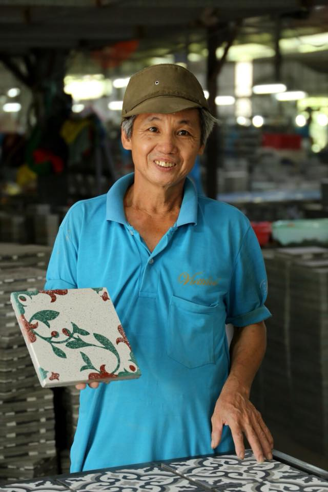 VIETTILES'S ARTIST WITH ALL PASSION AND LOVE FOR CEMENT TILES