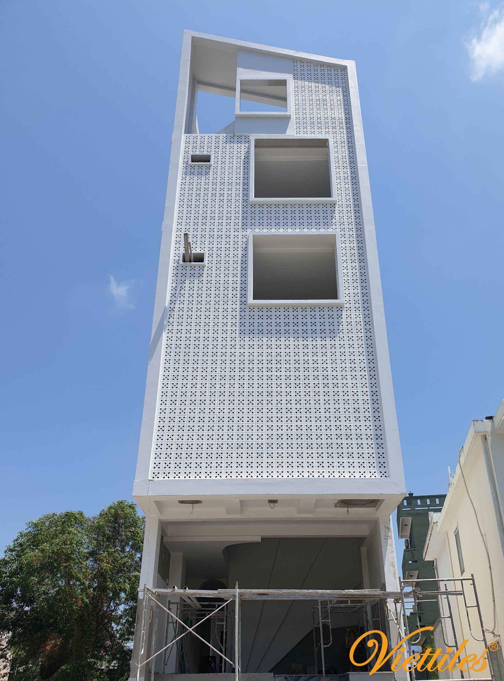 Viettiles shows off natural breeze cement blocks Break the bungalow