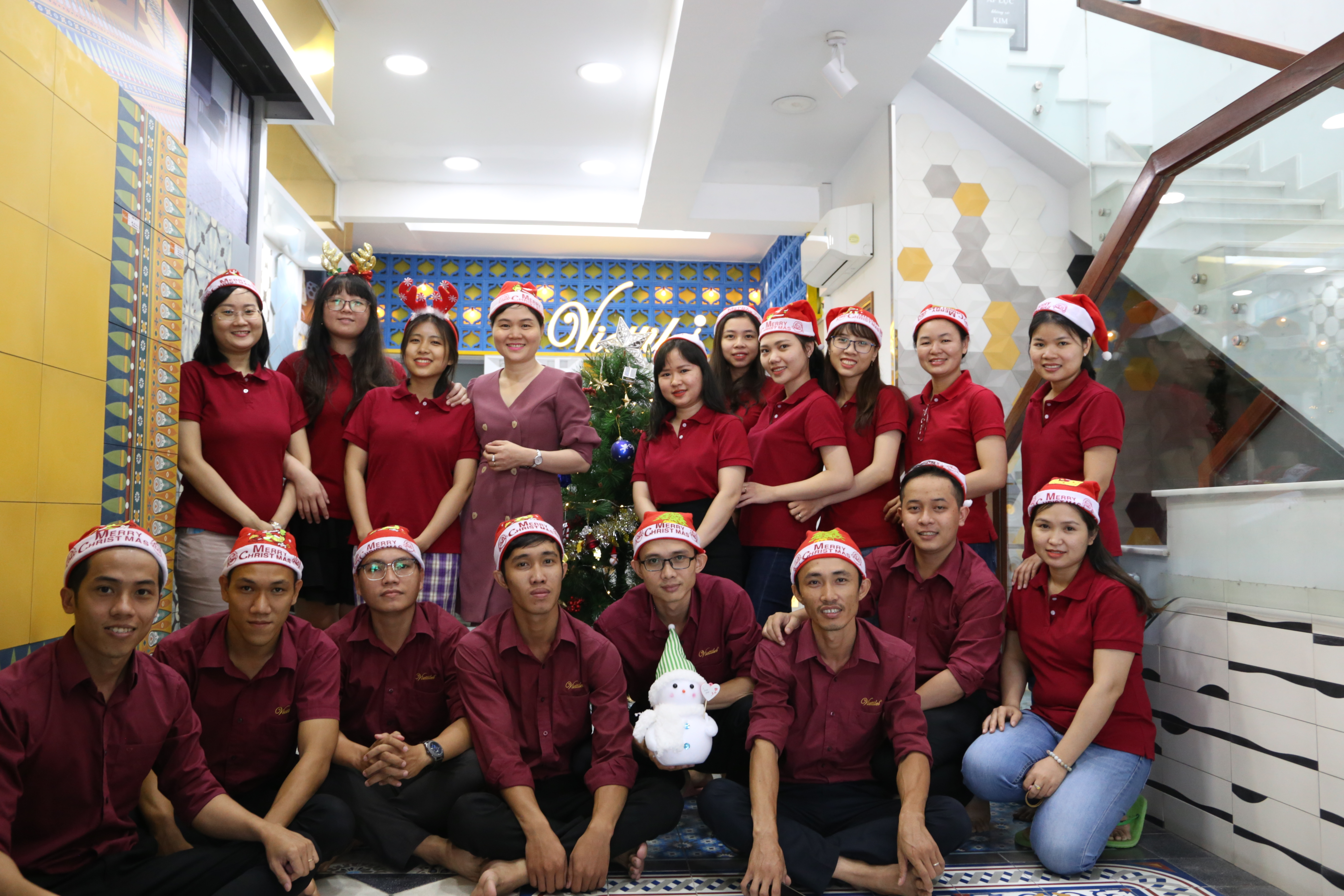 WELCOME AN SECURITY CHRISTMAS WITH VIETTILES