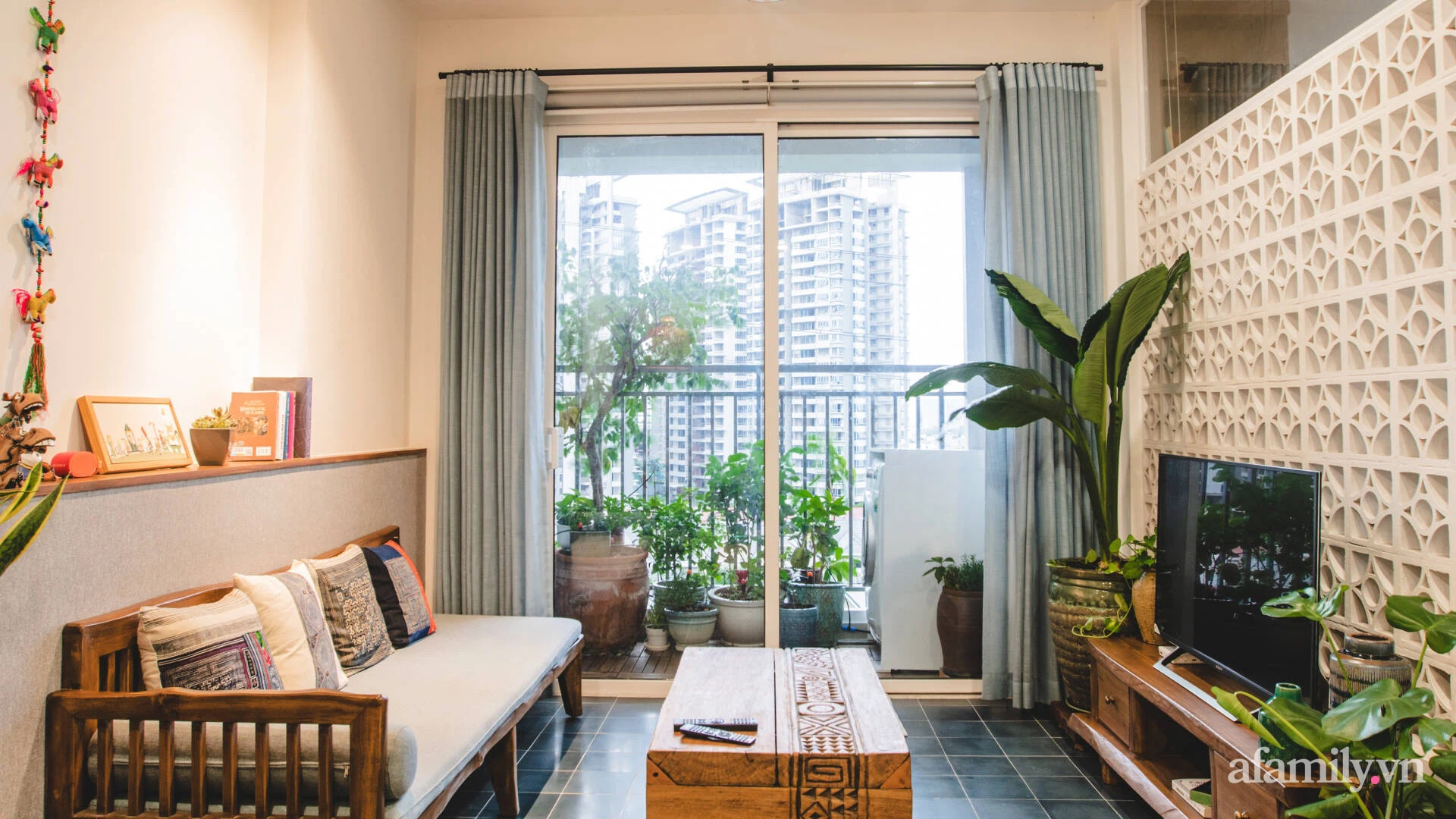 Beautiful and delicate 70m² apartment with traditional materials to prepare for Tet in Saigon