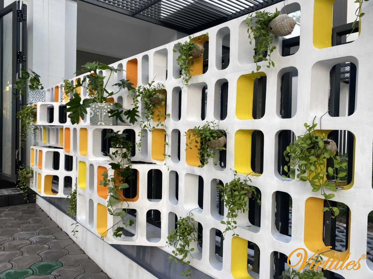 The art of installation and light with breeze cement block
