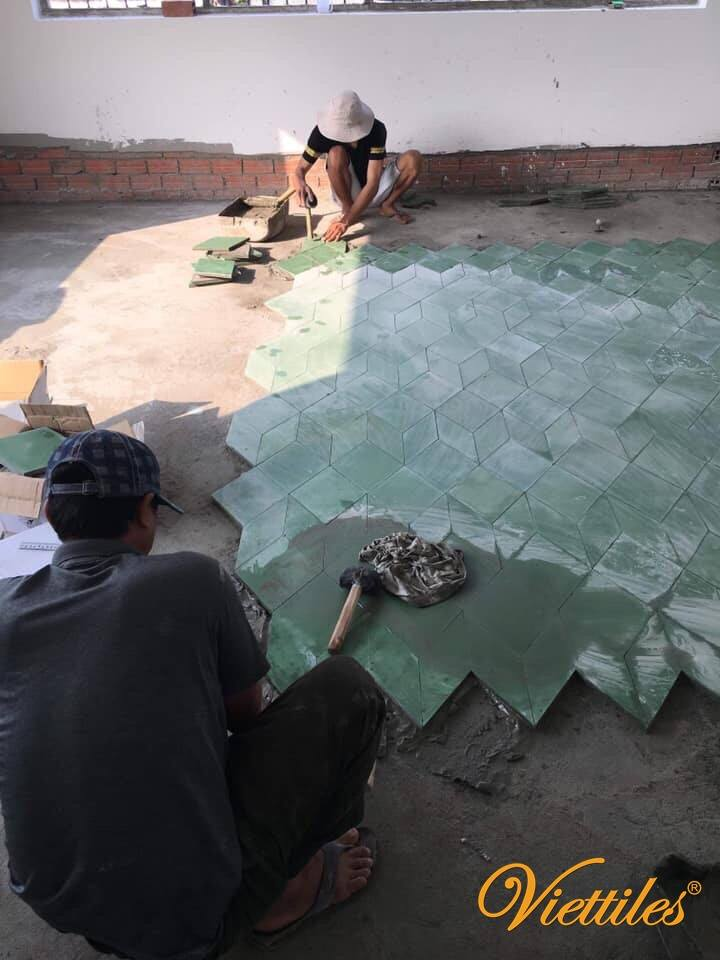 Creative with Viettiles's worker