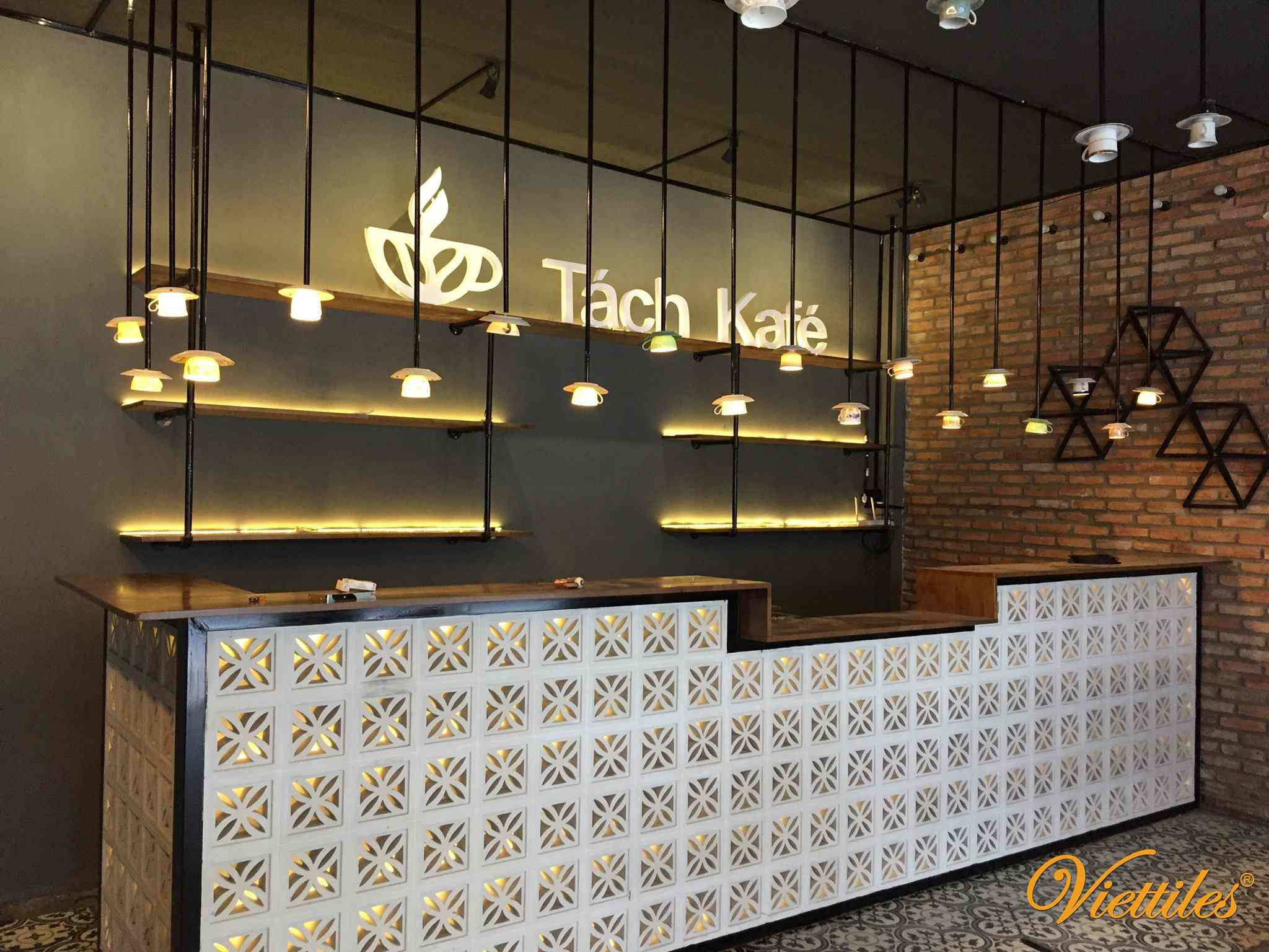 Tach Kafe - the coffee in Can Tho use Viettiles product