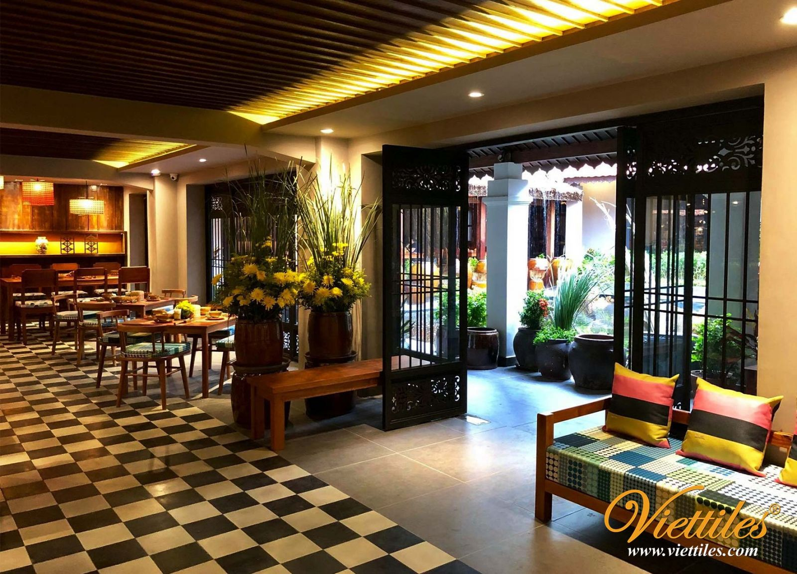 Viettiles's cement tiles with black and white colors is trusted and used by Bep Nha Luc Tinh Restaurant