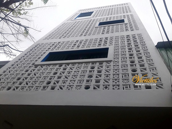 The façade from VIET TILES wind tile